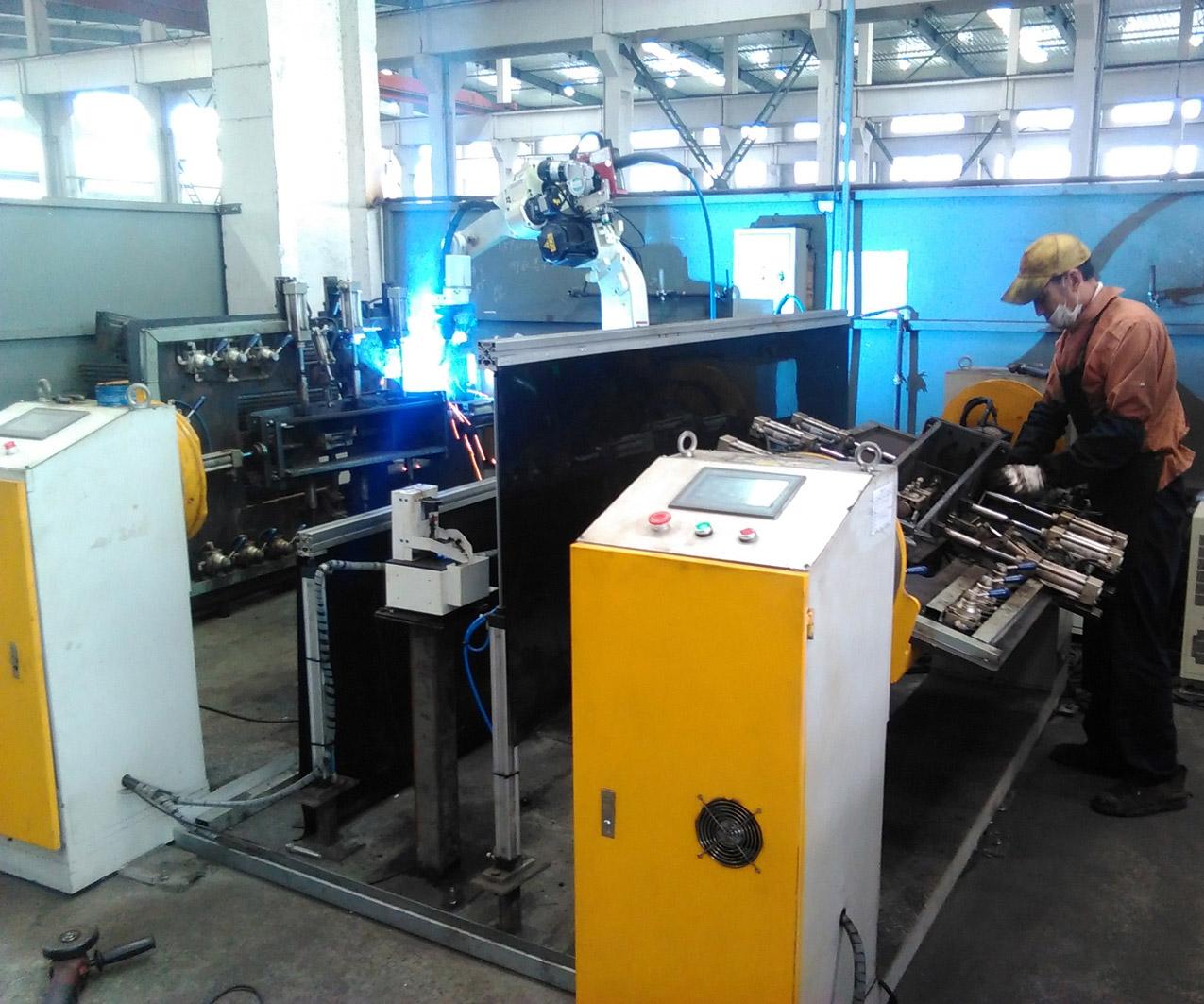 机器人焊接 --- 农机配件